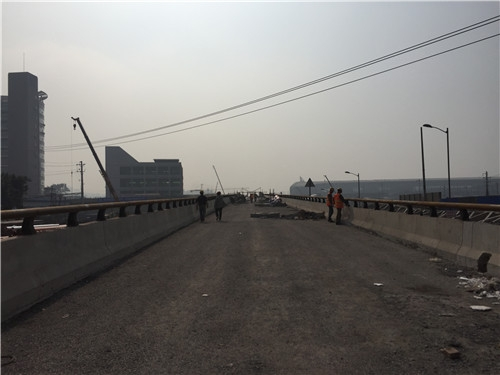 长江大桥桥梁护栏安装