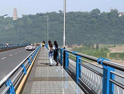 重庆高速路防撞护栏